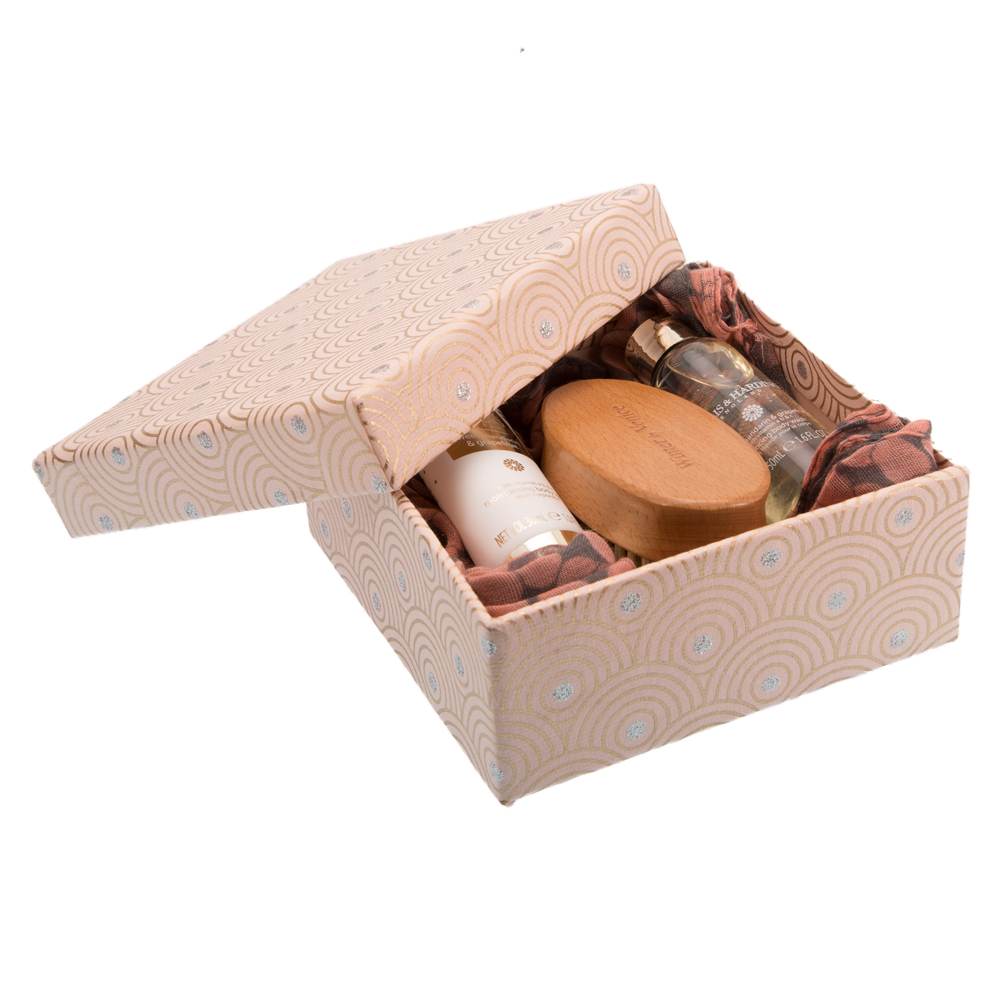 Baylis harding unique gift set with various items only for Unusual quirky gifts